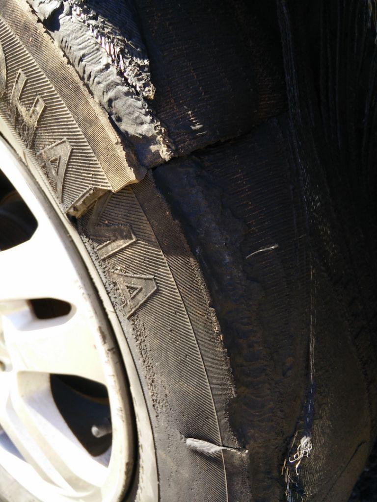 blowout-flat-tire-lake-pleasant