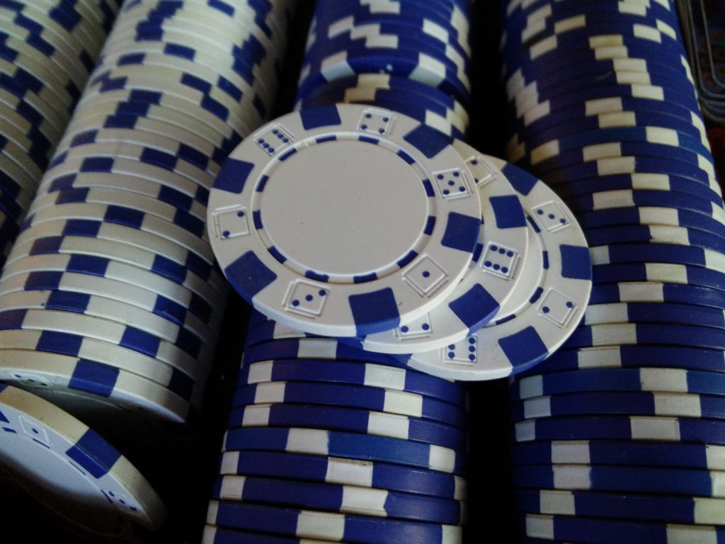 for-sale-poker-chips-blue-and-white