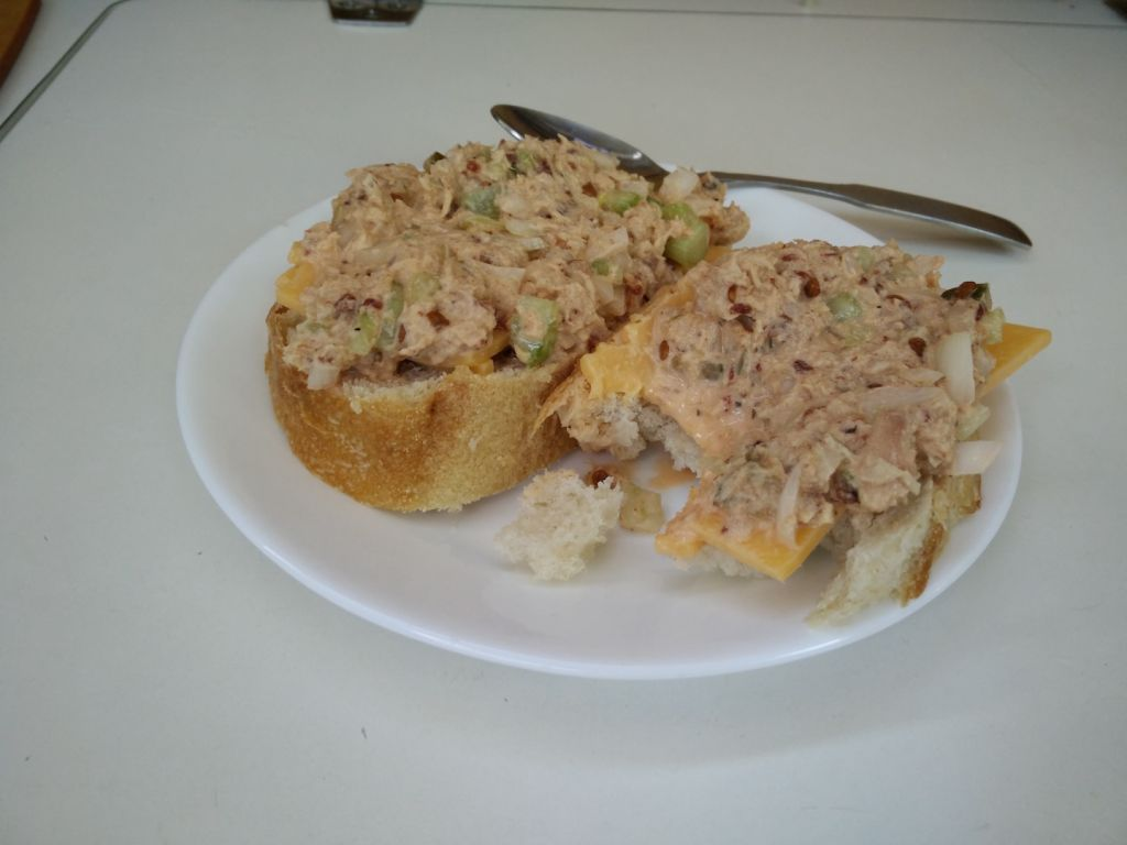 spicy-chipotle-tuna-and-cheddar-under-sail