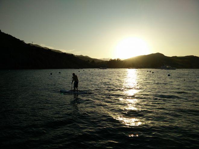 captain-on-sunset-paddle-emerald-bay