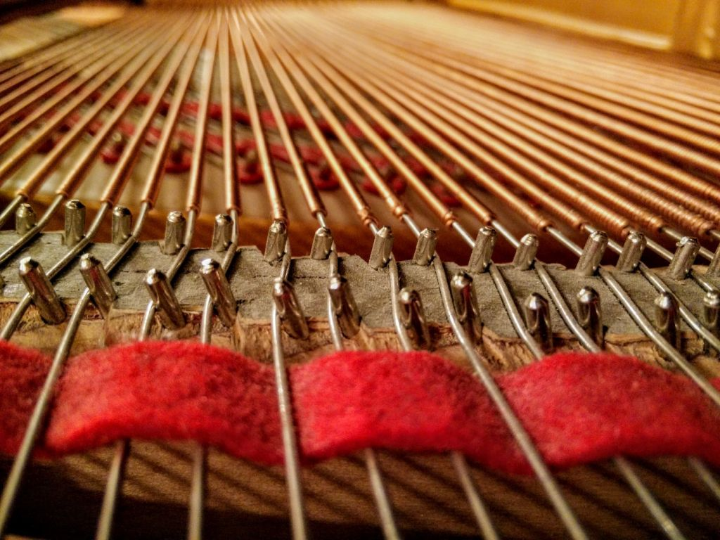 baby-grand-piano-string-pin-blocks-and-felt